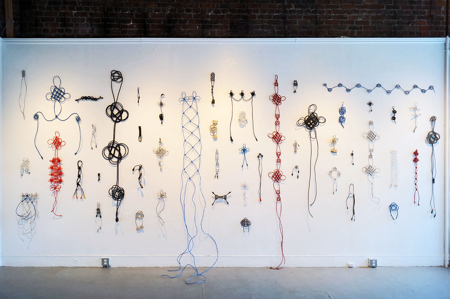 cable knots (2014) Annie Onyi Cheung