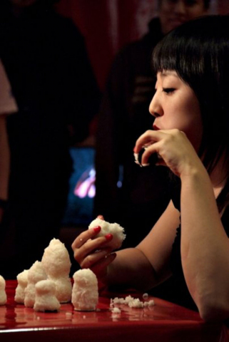Post war 1, 2, skip a few (2008) by Risa Kusumoto and Annie Onyi Cheung, photo by David Reyes